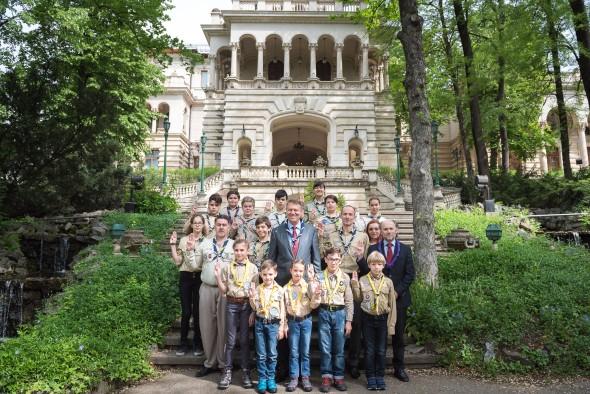 Primirea Presedintelui Comitetului Mondial al Organizatiei Mondiale a Miscarii Scout, domnul Joao Armando Goncalves, si reprezentantilor Organizatiei Nationale Cercetasii Romaniei 13